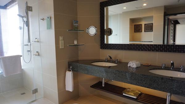 narui.my shangri-la bathroom 1