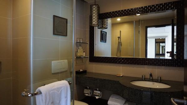 narui.my shangri-la bathroom
