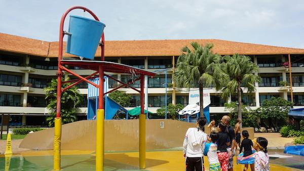 narui.my shangri-la pool 1