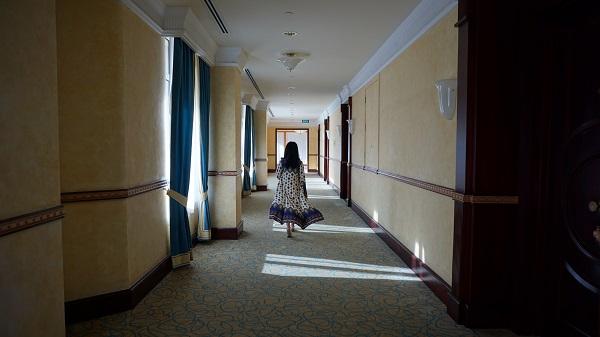 narui-my-the-empire-hotel-brunei-corridor-5