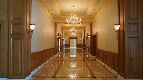narui-my-the-empire-hotel-brunei-corridor-8