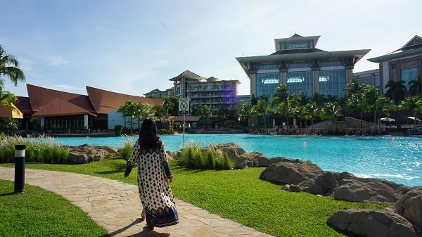 narui-my-the-empire-hotel-brunei-outside-view-4