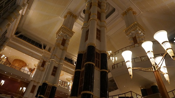 narui-my-the-empire-hotel-night-ver-2