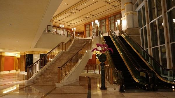 narui-my-the-empire-hotel-night-ver-4