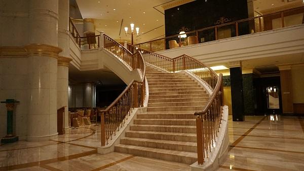 narui-my-the-empire-hotel-night-ver-8