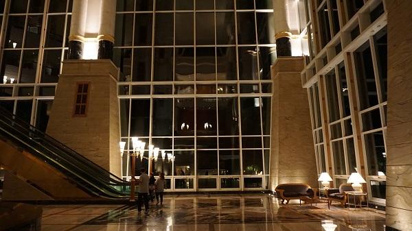 narui-my-the-empire-hotel-night-ver-1